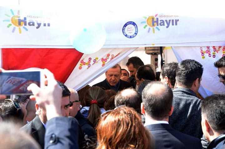 Cumhurbaşkanı+Erdoğan+%E2%80%99Ha%C4%B1ır%E2%80%99+standında
