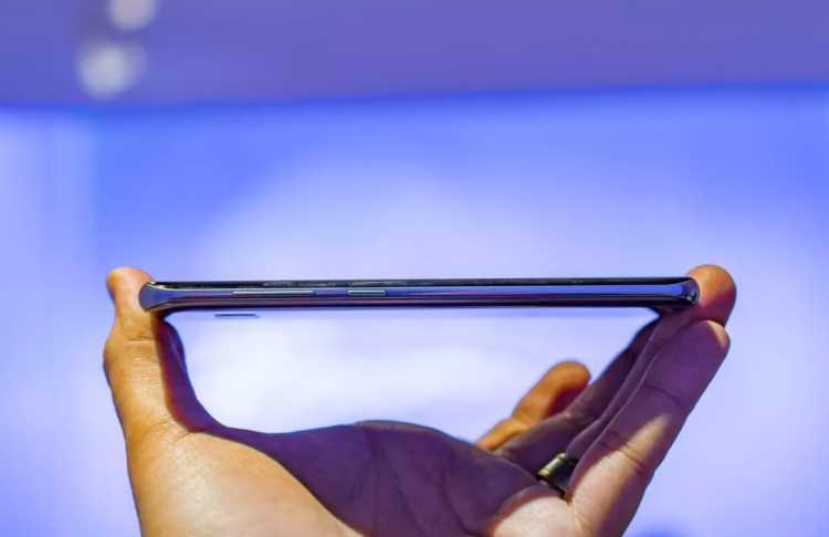 Samsung+Galax%C4%B1+S8+resmen+tanıtıldı