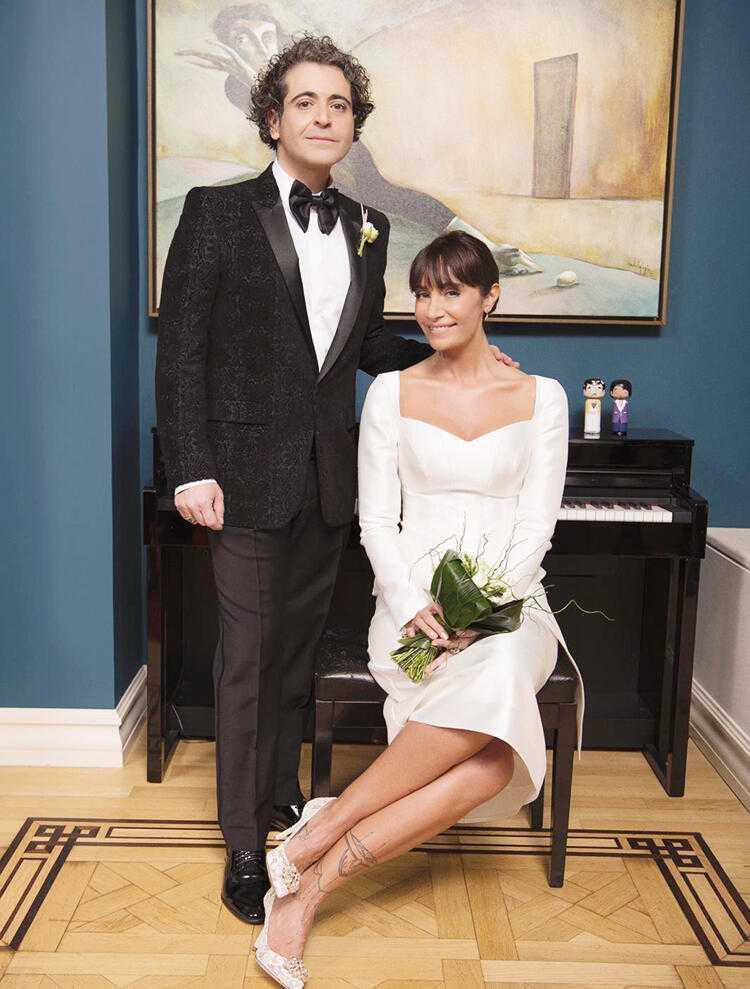 Sıla+ve+Hazer+Amani+evlendi%21;+İşte+%C4%B1ılın+ilk+d%C3%BCğ%C3%BCn%C3%BCnden+t%C3%BCm+deta%C4%B1lar...