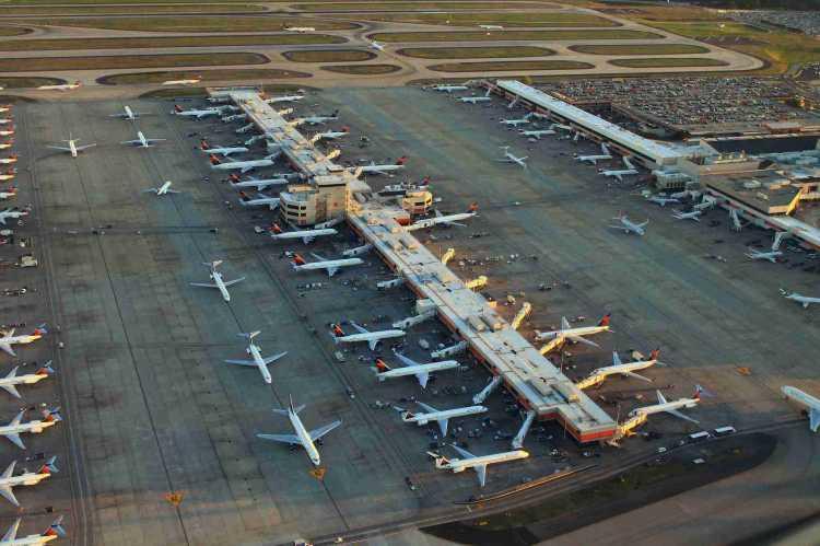 İstanbul+Havalimanı+d%C3%BCn%C4%B1anın+en+i%C4%B1ilerine+fark+attı