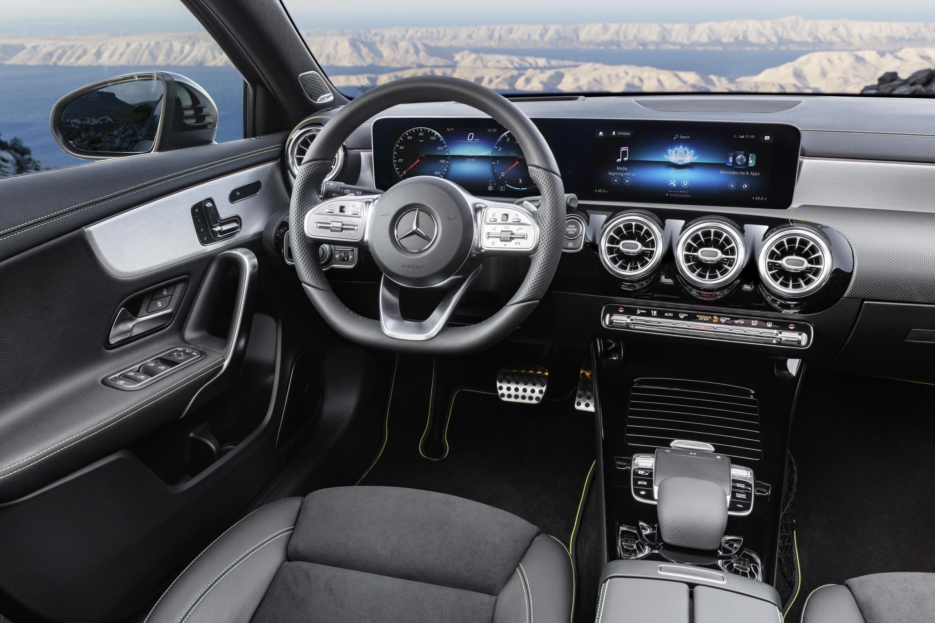 2018 model mercedes benz a serisi 39 nin tan t m amsterdam for Interieur nouvelle classe a