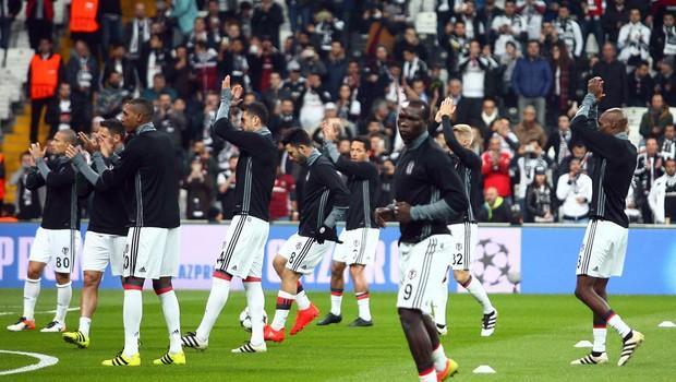 Adriano ve Gökhan Gönül'e büyük destek 33