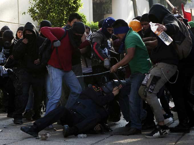 Tlatelolco massacre essay help