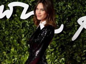 İngiliz Moda Ödülleri'ne yıldız yağmuru! Hangi sanatçı ne giydi?