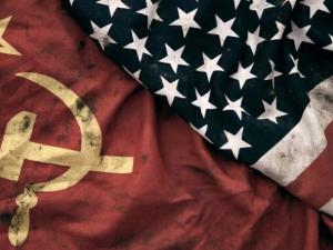 Çok kutuplu Soğuk Savaş ve devletçi neoliberalizm