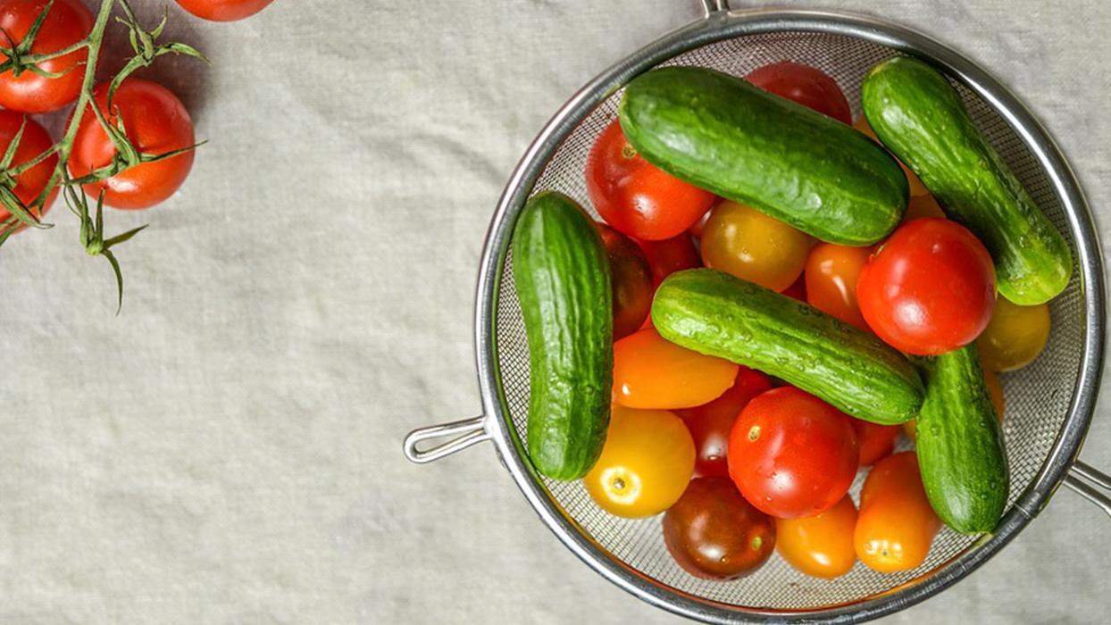 Yatmadan önce salatalık yerseniz faydasına inanamayacaksınız...