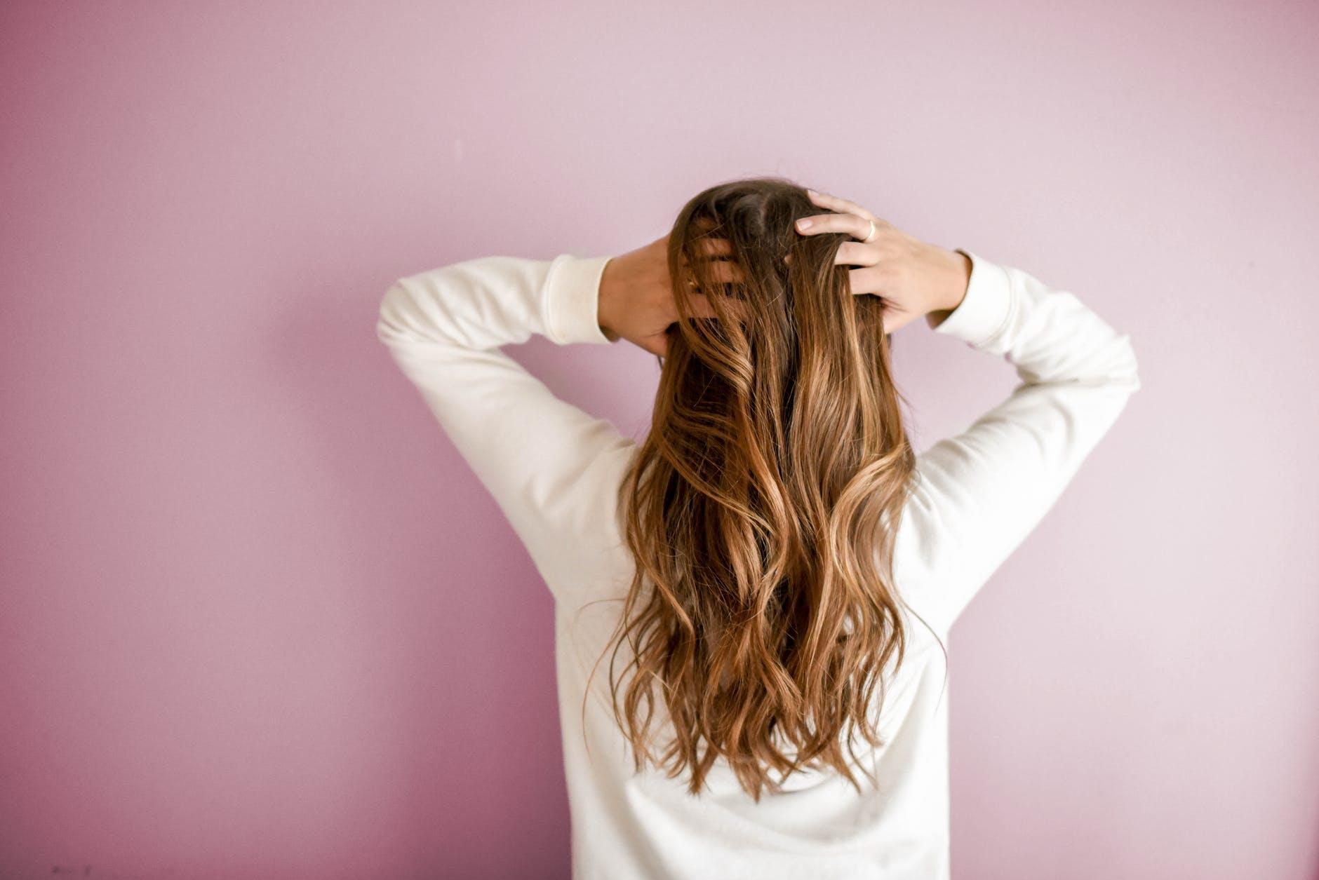 Saç dökülmesini durduruyor!