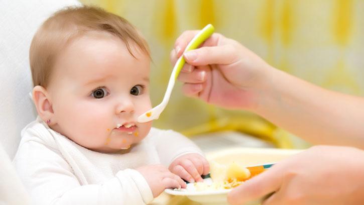 Bebeklerde Ek Gıdaya Geçiş #DiyetGünlüğü