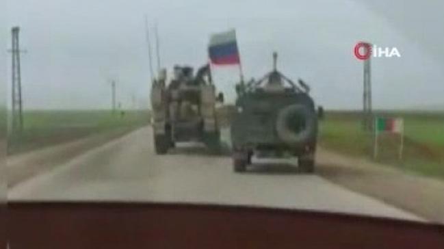 Kamışlı'da ABD zırhlı aracı, Ruslara ait zırhlı aracın önüne kırdı