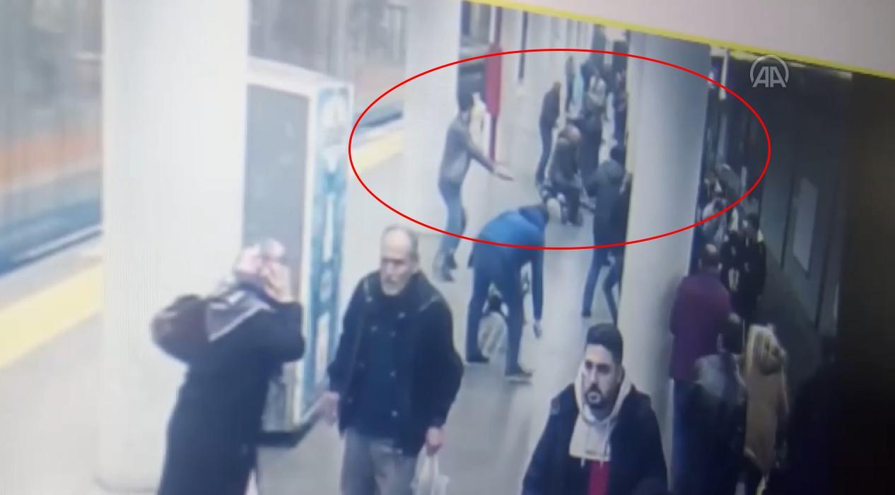 İstanbul'da bir polis, belinden silahını alan kişi tarafından ayağından vuruldu