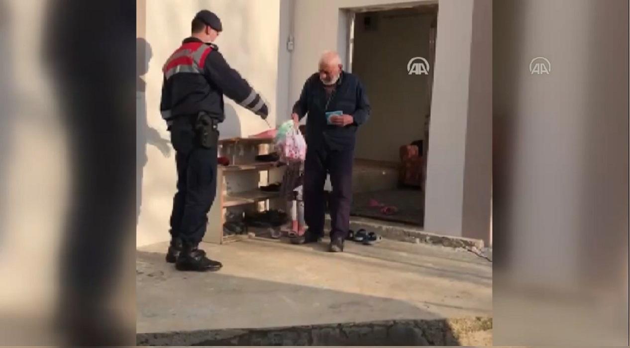 Jandarmanın yaşlılara ve kronik hastalara desteği sürüyor