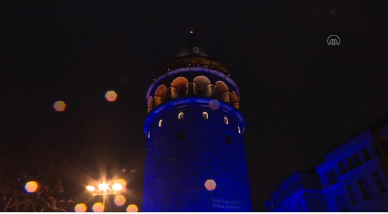İstanbul'un simge yapıları otizm farkındalığı için maviye büründü