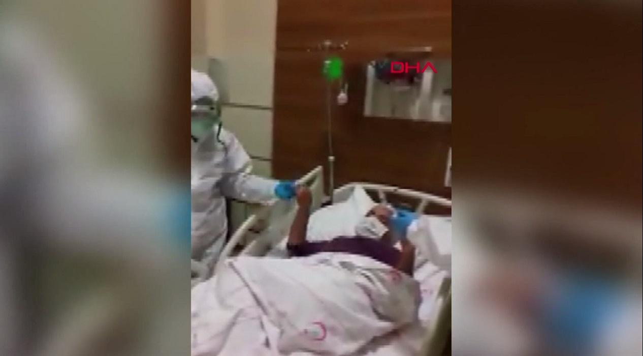 Sağlık çalışanlarından koronavirüs hastalarına 'halay'lı moral desteği