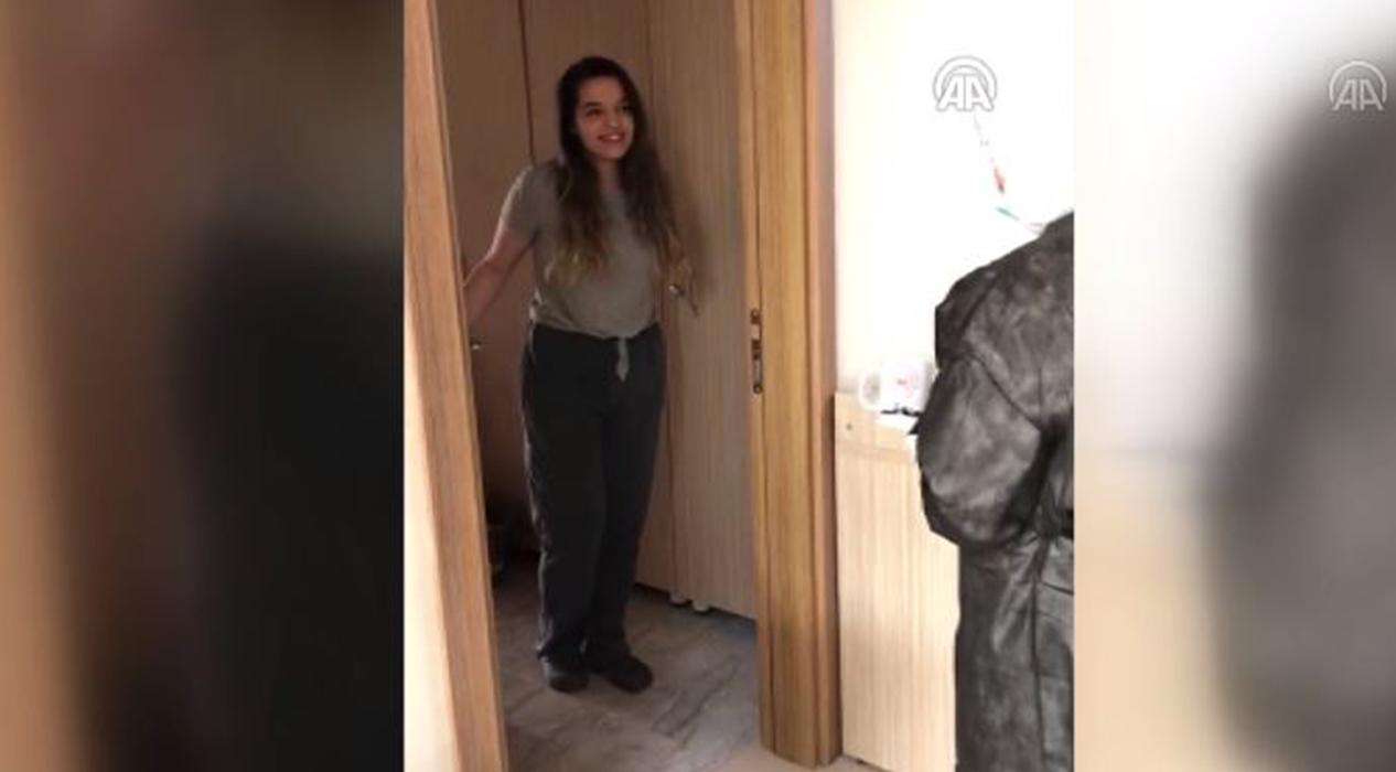 Bakan Kasapoğlu, karantinadaki vatandaşlara kitap gönderdi