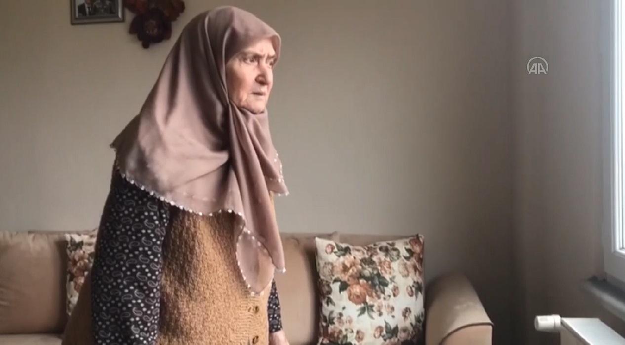 Koronavirüsü yenen 86 yaşındaki kadın diğer hastalara umut oldu