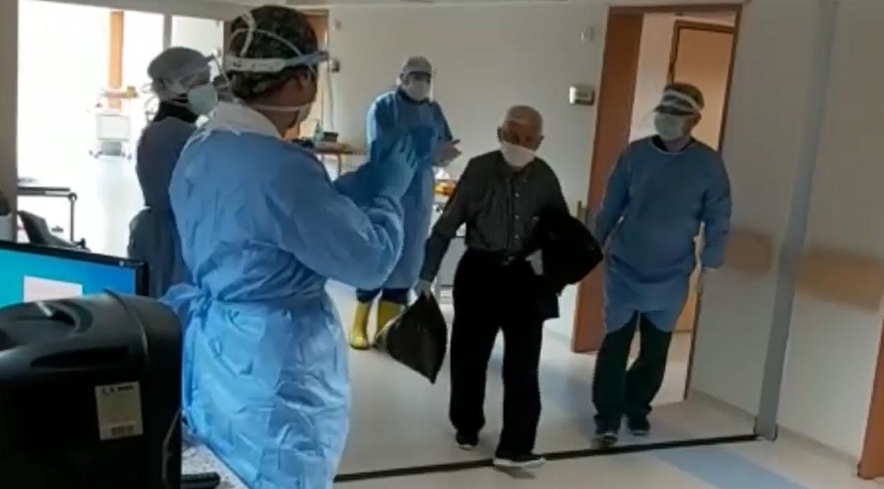 Artvin'de Koronayı yenen 82 yaşındaki hastayı Atabarıyla uğurladılar