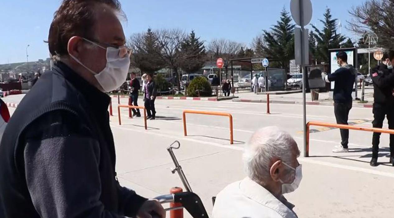 96 Yaşındaki hasta taburcu edildi