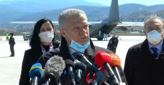 Türkiye'nin gönderdiği tıbbi yardım malzemeleri Bosna Hersek'e ulaştı
