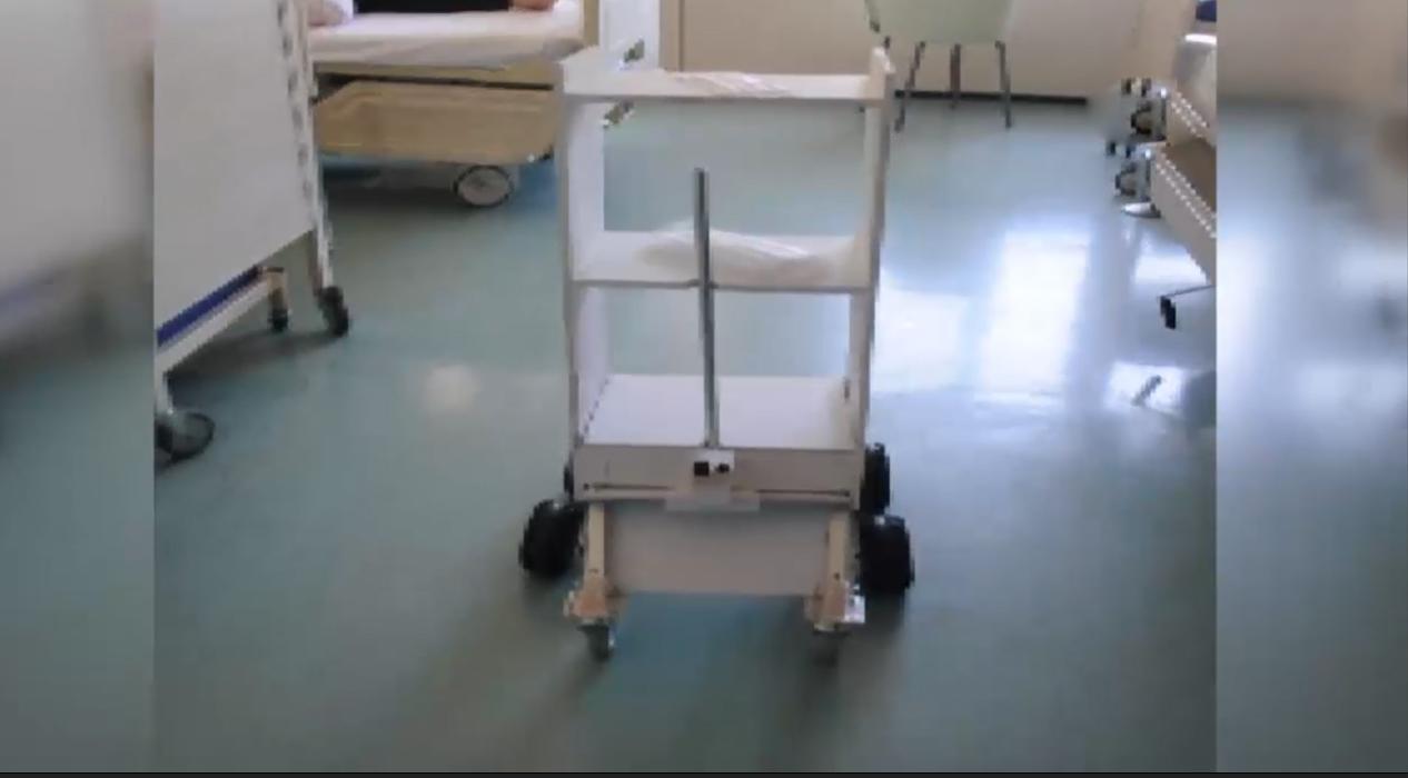 Koronavirüs hastalarına robot ile temassız servis