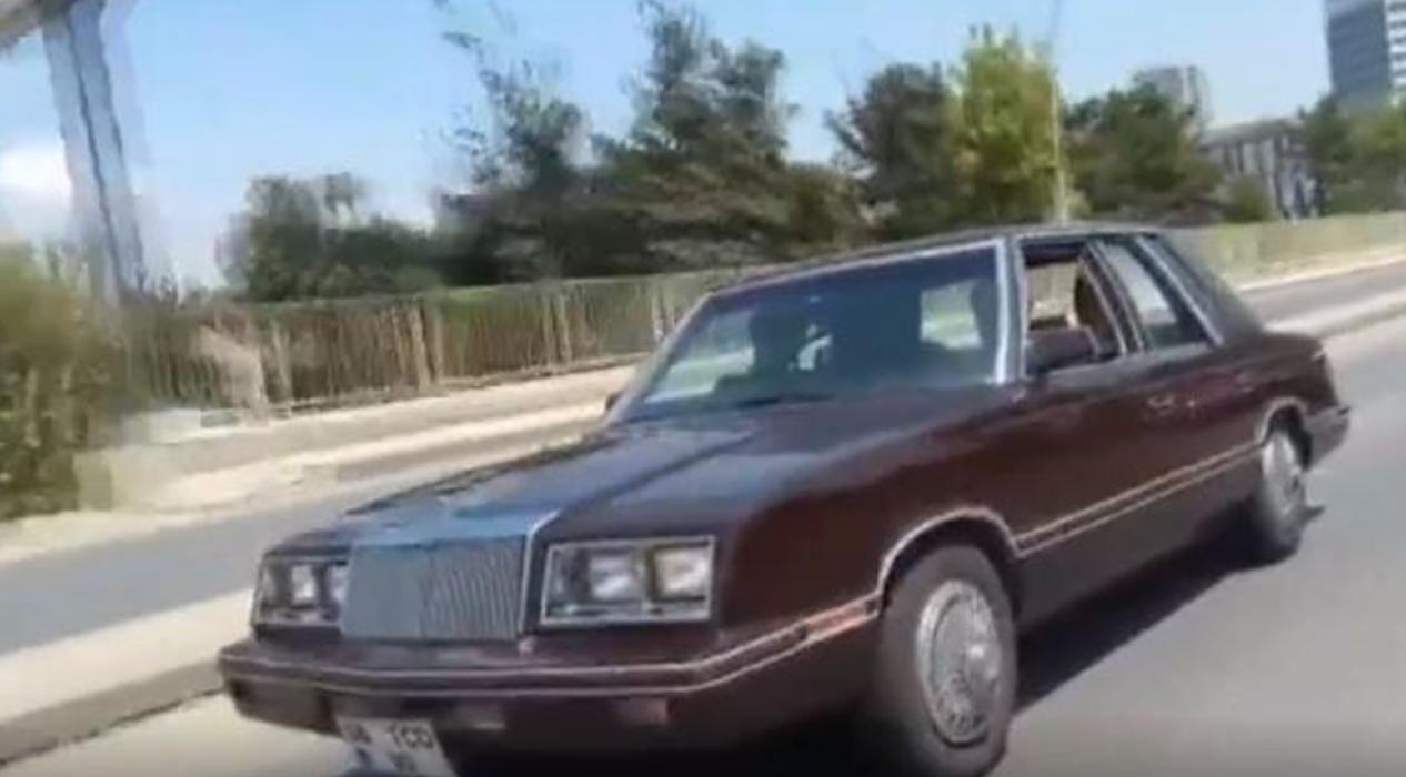 MHP Lideri Bahçeli aracıyla şarkı eşliğinde gezdi