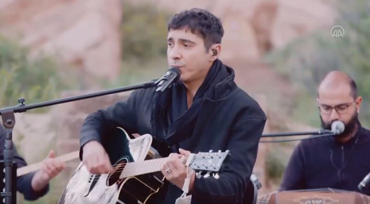 Ferman Akgül ve Ethnic Band'den 'Evde bayram konseri'