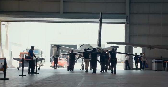Selçuk Bayraktar'dan 'AKINCI' paylaşımı: Uçarak evinize gelecek, pencereleri açın