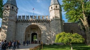 Topkapı Sarayı tarihi kapılarını ziyaretçilere açtı