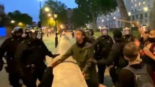 İngiltere'deki George Floyd protestosunda gözaltılar