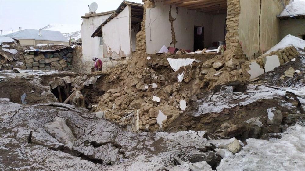 İran'daki 5,9'luk deprem Van'ı vurdu: 'Enkaz altında kalanlar var'