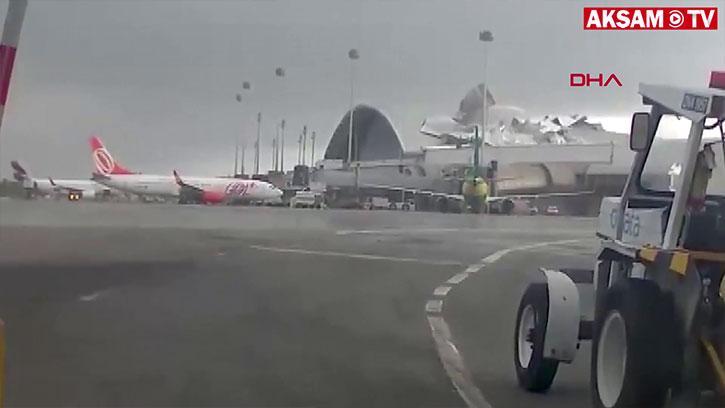 Rüzgâr Havaalanının Çatısını Böyle Uçurdu