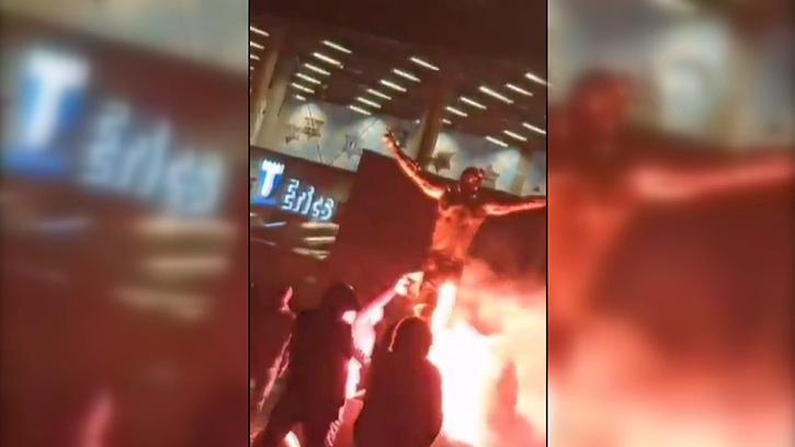 İbrahimovic'in İsveç'teki Heykeline Irkçı Saldırı