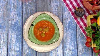 Tarhana Köfteli Çorba Nasıl Yapılır?