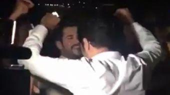 Fahriye Evcen ve Burak Özçivit, dün akşam Sait Halim Paşa Yalısı'nda evlendi. Özçivit ve düğüne ka