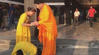 Dünya Güzellerim programı için Nepal'de bulunan Bülent Ersoy'u halk buda zannetti.