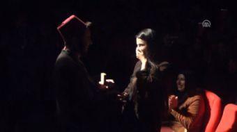 Ordu Büyükşehir Belediyesi Karadeniz Tiyatrosu'nda (OBBKT) sahnelenen 'Ayyar Hamza' adlı oyunda rol