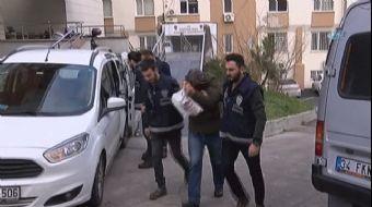 Üsküdar'da karısını bıçakla yaralayan ve yanındaki adamı öldüren cinayet zanlısı adliyeye sevk edild