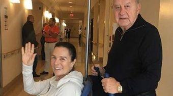 Geçtiğimiz hafta akciğerindeki kanserli bölge için ABD'nin New York ameliyat edilen usta sanatçı Hül