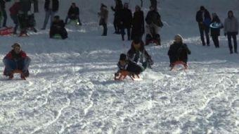 Kış turizminin önemli tatil merkezlerinden Kartepe'de kar kalınlığı 70 santimetreye ulaştı. Hafta so