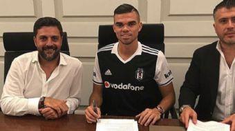 Beşiktaş'ın kadrosuna kattığı Portekizli futbolcu Pepe, Türkiye'ye transfer edilen en kariyerli stop