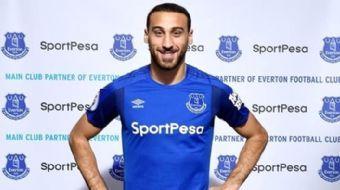 Everton'ın yeni golcüsü Cenk Tosun, Teknik Direktör Sam Allardyce'in kendisini çok istemesinin trans