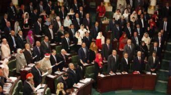 ABD'nin Kudüs kararını tanımayan Tunus Meclisi'nde, 'Yaşasın bağımsız Filistin' sloganları atıldı.