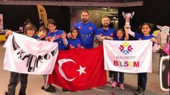 'Kadro' Robot Takımı, Türkiye'yi Gururlandırdı
