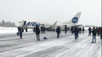 Rus Yolcu Uçağının Kuyruğu Piste Çarptı