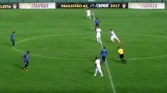 Brezilya 3. Liginde oynanan bir maçta atılan gol izleyenleri mest etti. Comercial FC'nin Catanduvens