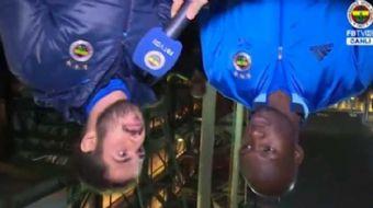 Fenerbahçe televizyonu, bu sezon 3. röveşata golünü atan Sow ile röportaj yaparken röveşata gollerin