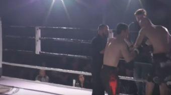 Kolu çıkan rakibini tedavi eden boksör