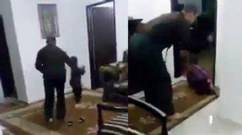 Şanlıurfa'nın Suruç ilçesinde, bir kişinin evde elini ve ayağını iple bağladığı küçük oğluna hortuml
