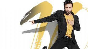Tarkan, 15 Haziran'da çıkaracağı '10' adlı albümünün çekimleri sırasında sakatlandı. Megastar Tarkan