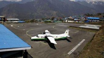Bangladeş Havayollarına ait yolcu uçağının Nepal'in başkenti Katmandu´da düştüğü bildirildi.
