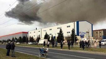 Tekirdağ'ın Çerkezköy ilçesi'nde kurulu bulunan bir tektstil fabrikasında patlama meydana geldi.
